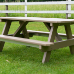 tableWithAttachedBenches